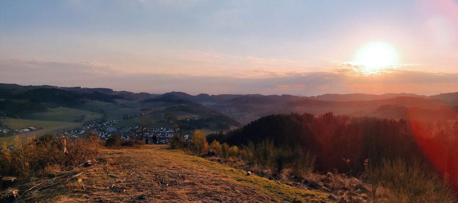Sonnenaufgang über Elspe an Ostern 2020